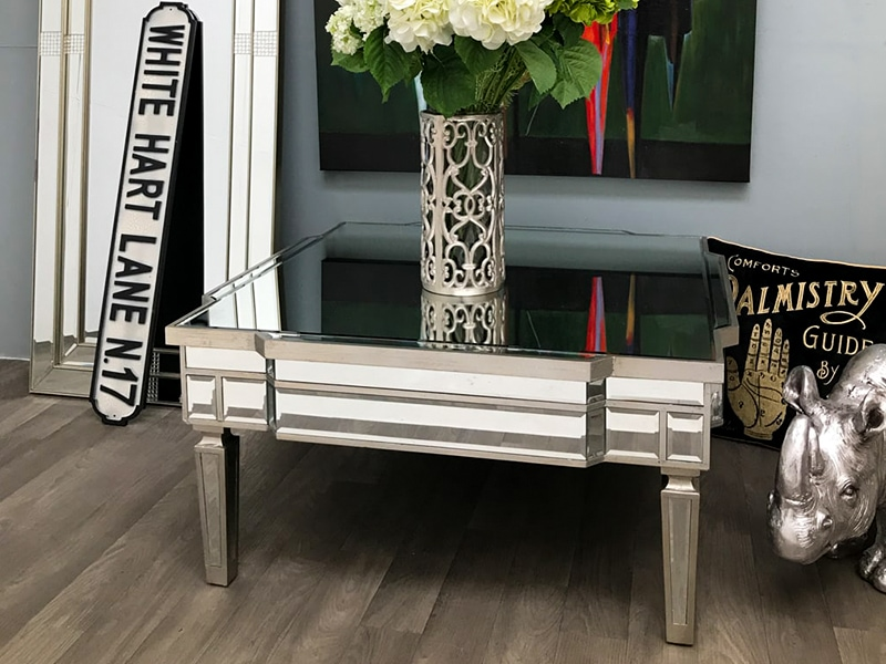 Mirrored Coffee Table – Luxury in the Living Room
